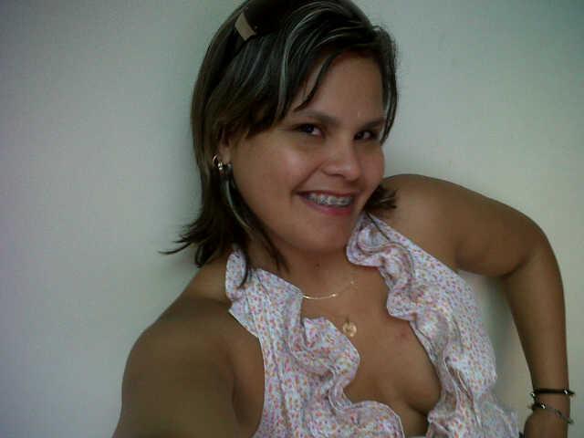 Mujer Soltera Bonita–867027